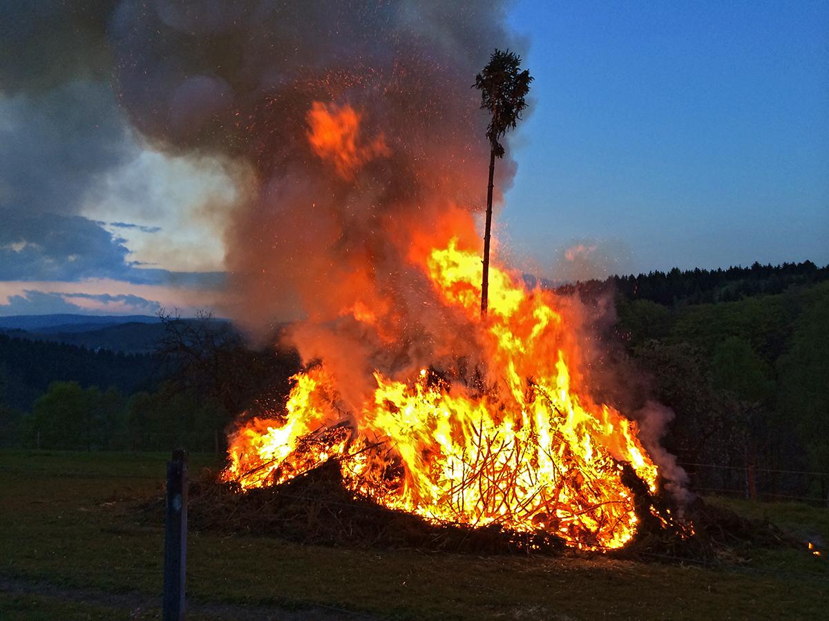 Osterfeuer erfolgreich abgebrannt
